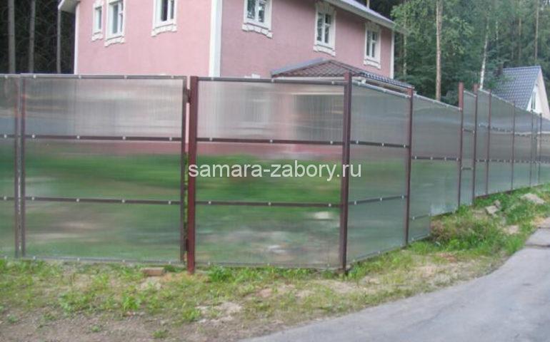 забор из сетки поликарбоната